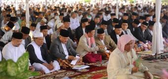 Gubernur Sumsel Sholat Idul Adha Bersama Ribuan Warga di Mesjid Agung Palembang