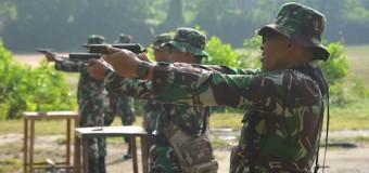 Tingkatkan Kemampuan, Prajurit Korem 044/Gapo Latihan Menembak