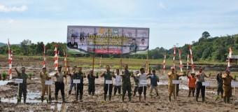 Tanam Padi Perdana di Lokasi Cetak Sawah Baru Kodim 0114/Aceh Jaya