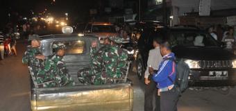Di Malam Natal, Danrem 044/Gapo Bersama Anggota Melakukan Patroli Pengamanan
