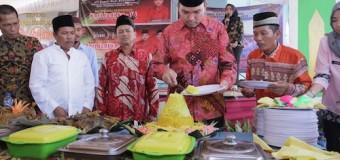 Beni Potong Tumpeng Hari Jadi Dusun Bumi Mulya dan Bukit Makmur Desa Simpang Tungkal