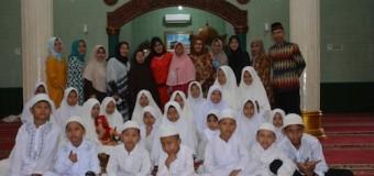 Persit KCK Koorcab Korem 044/Gapo Peduli Anak Yatim