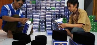 Peci Sebagai Identitas Lelaki Indonesia