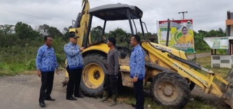 Jalan Provinsi di Keluarahan Soak Baru Rusak Timbulkan Kemacetan Lalulintas
