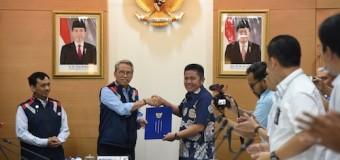Herman Deru: Untuk Keindahan, Ayo Kita Sama-sama Tanam, Jaga dan Pelihara Taman di Bawah Rel LRT Palembang