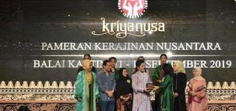 Tampil di Peragaan Busana Pameran Kriyanusa 2019, Feby Deru Angkat Kain Batik Durian Lubuk Linggau